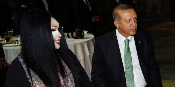 Bülent Ersoy und Recep Tayyip Erdoğan