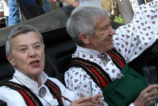 Wenche Lowzow und Kim Friele