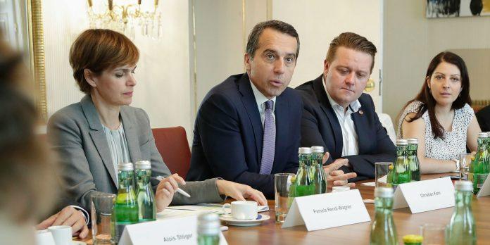 Bundeskanzler Kern beim LGBT-Roundtable