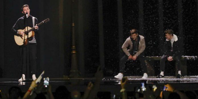 Aufregung bei EBU: Chinasender zensierte Regenbogenflaggen und schnitt turtelnde Tänzer