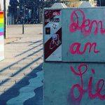 Bemalte Anti-Terror-Poller in Düsseldorf