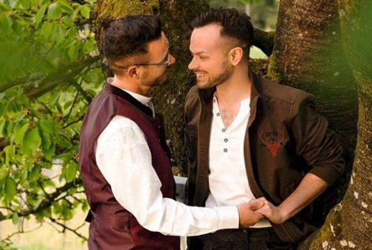 Schwules Trachtenpaar