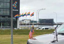 Island mit Regenbogenflaggen