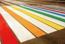 Regenbogen-Zebrastreifen