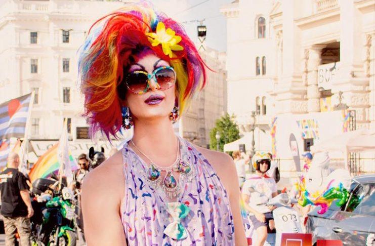 Candy Licious beim Regenbogen-Corso