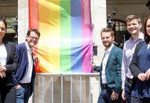 Hissung der Regenbogenflagge 2020