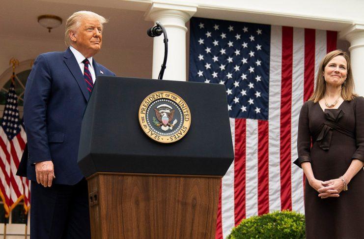 Donald Trump und Amy Coney Barrett