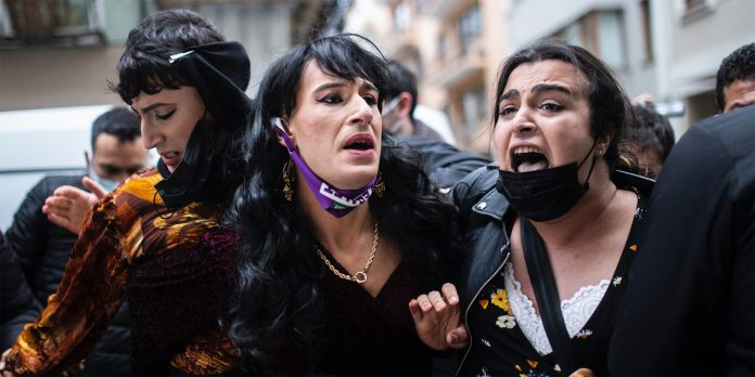Proteste bei Demonstration in Istanbul
