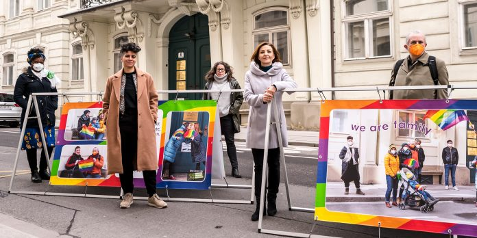 Mahnwache vor der ungarischen Botschaft